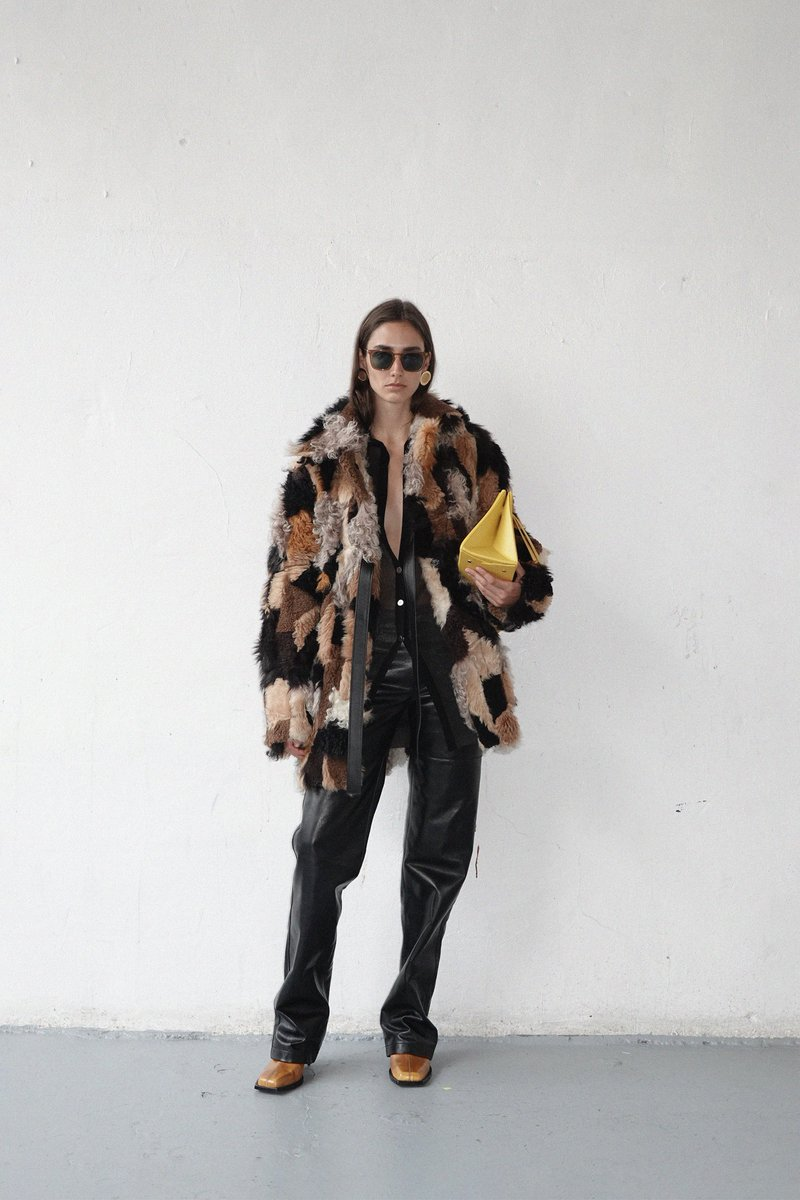 SS21 vibes #ThePeterdo  #infurmagazine #infurmag #magazine #fashionmagazine #fashion #slowfashion #furs #fur #furfashion #furcoat #ootd #stylefashion #fashioninfluencer #streetstyle #patchwork #fashionweek #fashionstatement #styleinspo #wiwt #trendy #trends #ss21 #newcollection https://t.co/opr9AACNS6