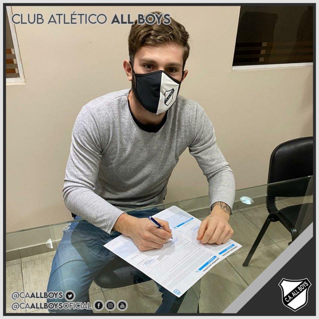 Facundo Espósito pone la firma