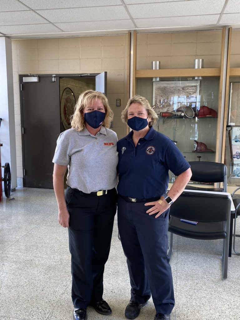 Quick pic (masks on) celebrating FAO Sharon Martin's retirement. Glad to be there for her first and last days with KCFD both at our Academy. She's also a 1 Star General in MO Nat'l Guard (and all around Bad A$$)! Glass ceilings obliterated by women of KCFD! @KCMOFireDept @KCMO https://t.co/mBqfSnnOEI
