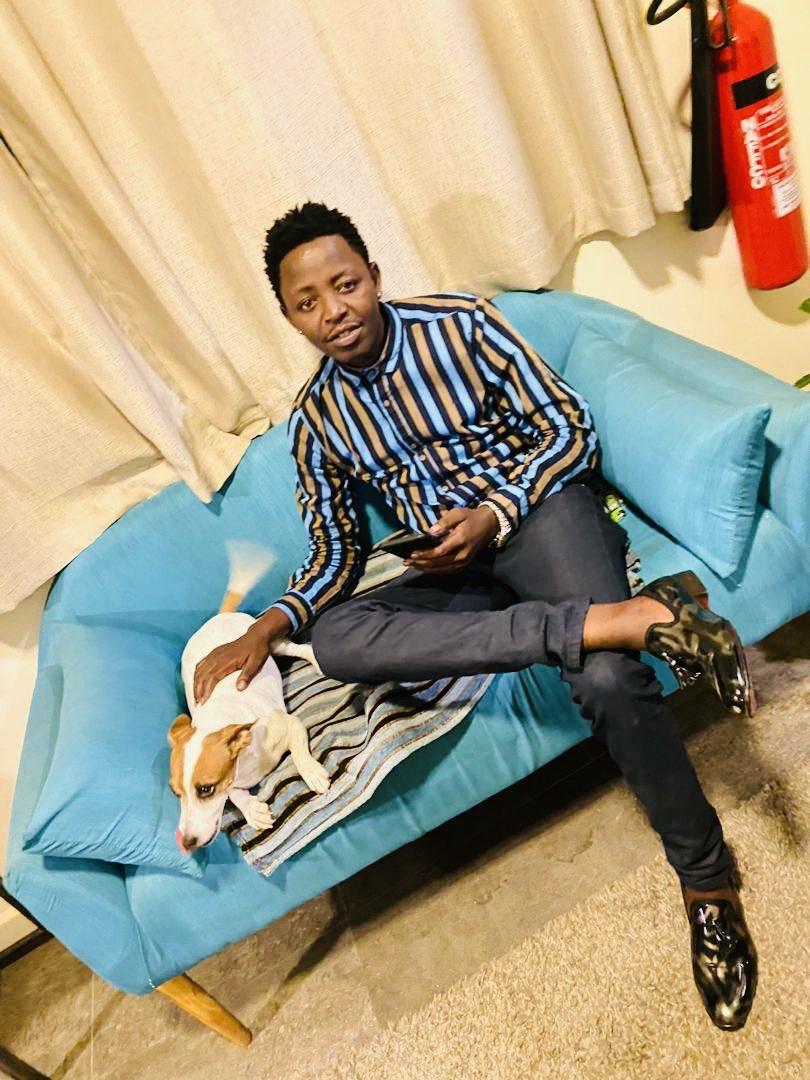 Siwezi Kushiba nikamsahau mwenye njaa Thats who I am 🤗Kipimo cha Upendo ni kwa Vitu Vidogo Vidogo Who I am Feat @gemmamusic_ Ipo kwenye DUNIA NYINGINE na Ep Yetu inapatika kwenye Digital platform zote  #KESHOYANGU link in bio https://t.co/cCx78CyOay