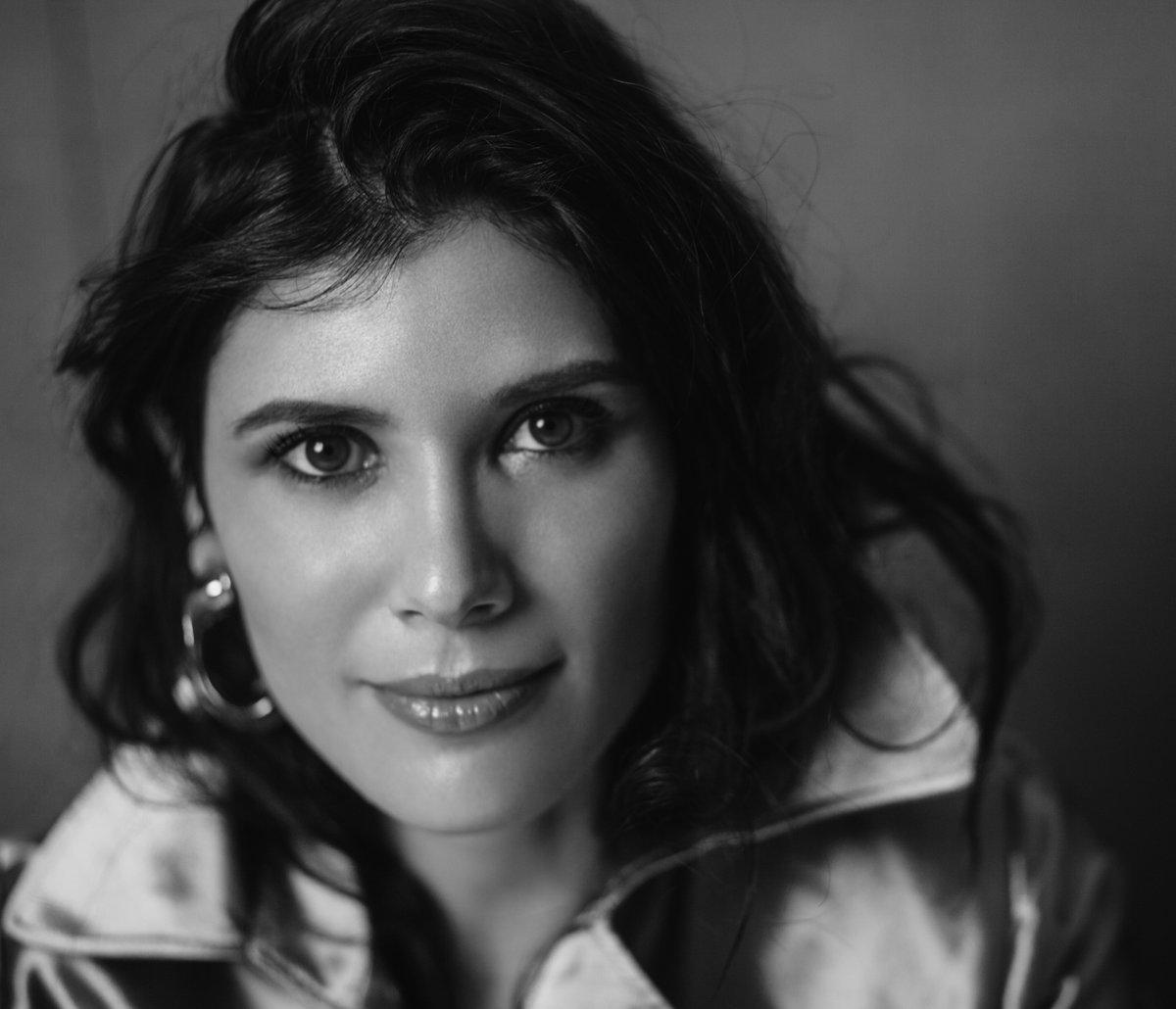 Cari Amici, condivido con voi l'intervista rilasciata a Opera Charm:  Ringrazio @BiancaLNica1 per questa bella chiacchierata ✏️🌺(L'intevista completa da pag. 24 a 29) #interview #ilovemyjob #grateful #powerofmusic #opera #joyofsinging #mezzosoprano