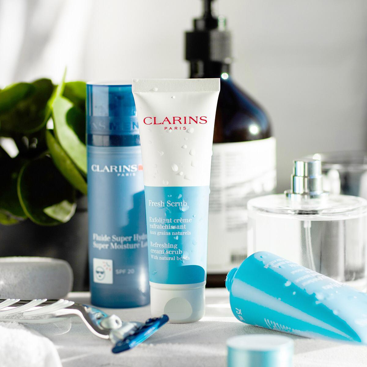 Limpieza e hidratación para su piel. #caballeros #clarinsmen  L. 1,125 L. 1,093 https://t.co/xTJdYoWcEh