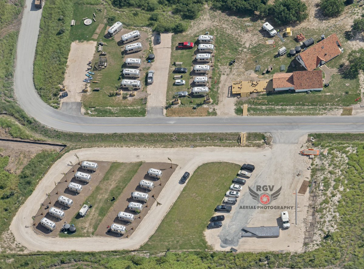 """RGV Aerial Photography on Twitter: """"SpaceX Airstream resort. 🌴 08/27  #Bocachica #spacex (2300ft msl)… """""""