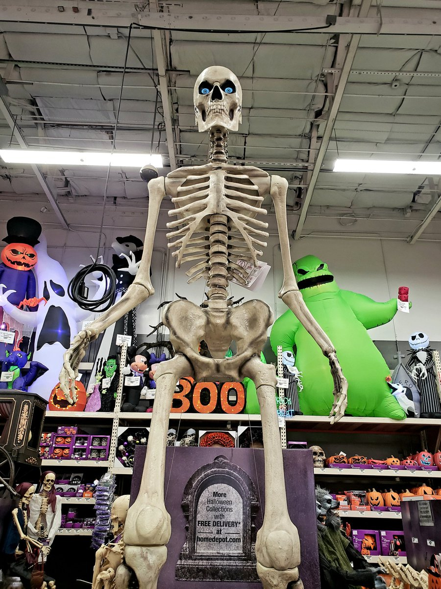 R J Crowther Jr On Twitter You Say Big Boned Like It S A Bad Thing 12 Foot Tall Giant Skeleton At Home Depot