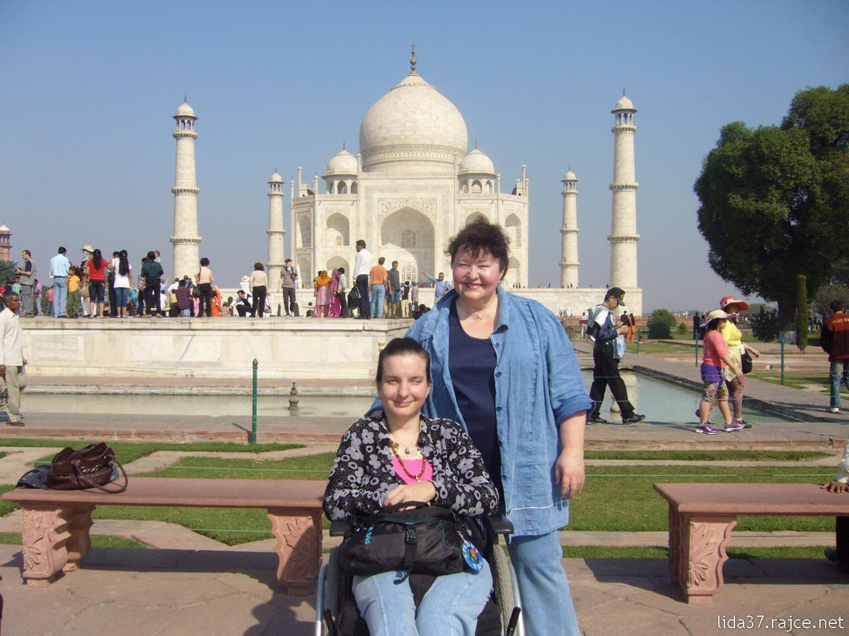 Accessible stars of the silver screen ✨  https://t.co/MWOrlucgX8  #read #blog #accessible #movie #locations #aroundtheworld #disabled #travelers #community #disway #web https://t.co/vyQcEVmxaW