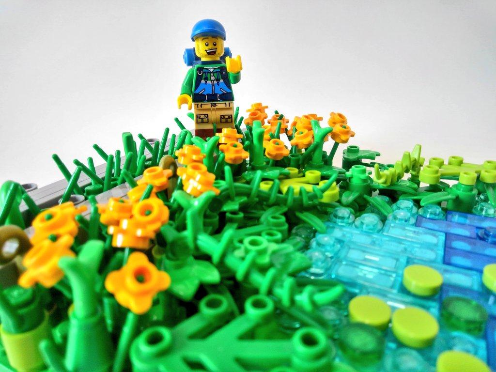 #レゴ で爽やかな #尾瀬 の風景を再現しました。  2007年の今日、正式に国立公園として新設されたそうです。 #尾瀬の日  #LEGO で気分だけでも、、また⛺を持って気軽に行けるようになりますように😉 https://t.co/pdRb1gHInm