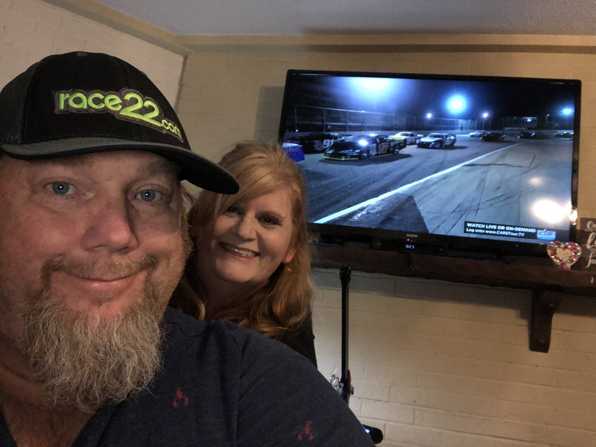 Enjoying some @CARSTour racing action from @LangleySpeedway  @tstevens92  & @theoneNonlyJKD Fantabulous coverage as always!!!!! Wish I could be there....  #VisitHampton125 #raceon #race22 #carstour #race22radio https://t.co/lOUR63sodF