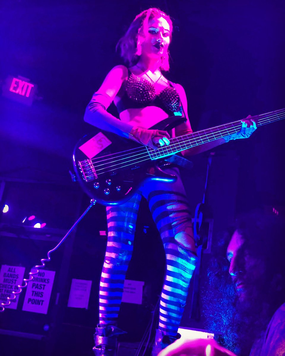 Enchanʇrɘss öv thɘ Nighʇ 😈😈😈  Thɘ mysʇifying @RavynDeth 💜💀💜   #KÖNSTRIKTOR #metal #shockthrash #bloodlust #ladymamba #Houston #horror #newmusic #blackmetal #bloodqueen #deathglam #sexsexsex #heavyfuckingmetal #devilmusik #serpentinelegion #könstriktordie