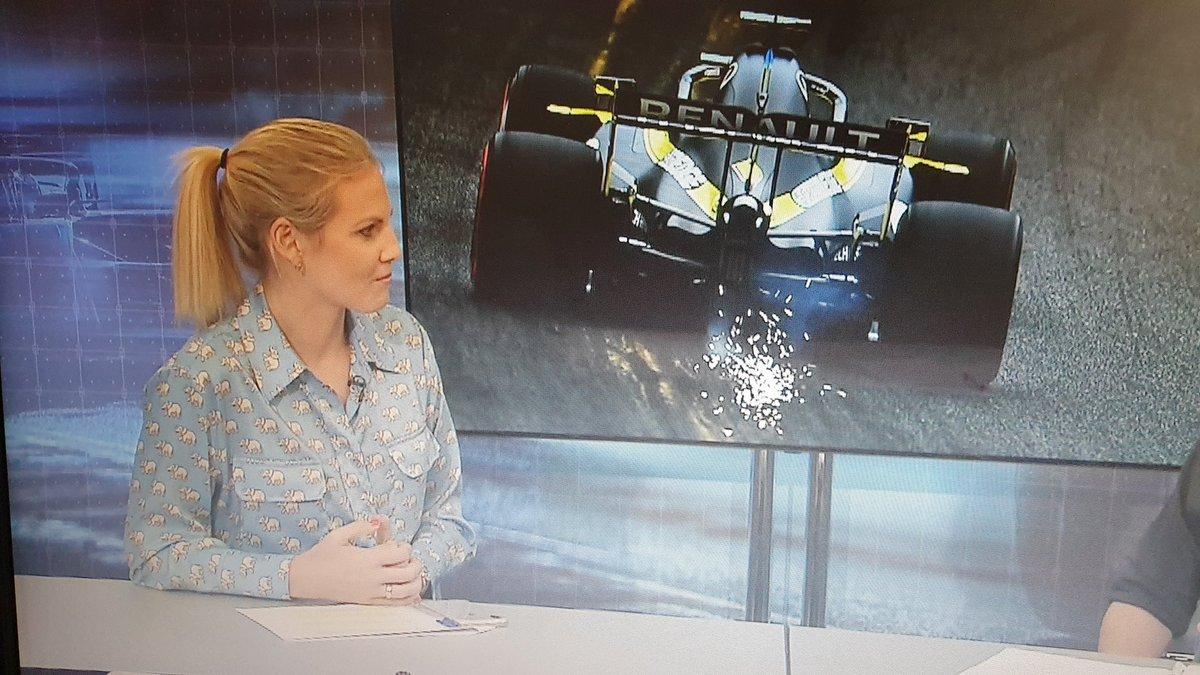 Is it me or is @rosannatennant still wearing her pyjamas? #F1TV #F1TVPro #BelgianGP #F1Live #busysundaymorning https://t.co/cilUYCnDYA