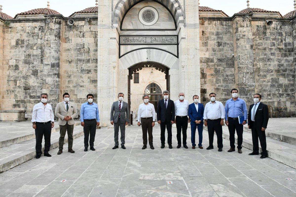 📌Bakan Yardımcımız Sn. @AhmetMisbah  İl Müdürümüz @emreduru33 ile birlikte Tarsus Ulucamii, Kırkkaşık Bedesteni ve Tarihi Müftü Hanı İhyası Kamulaştırma Alanında İncelemelerde bulundu. #MersinKulturveTurizm @MehmetNuriErsoy @lutfielvan https://t.co/yjKLObzkOM