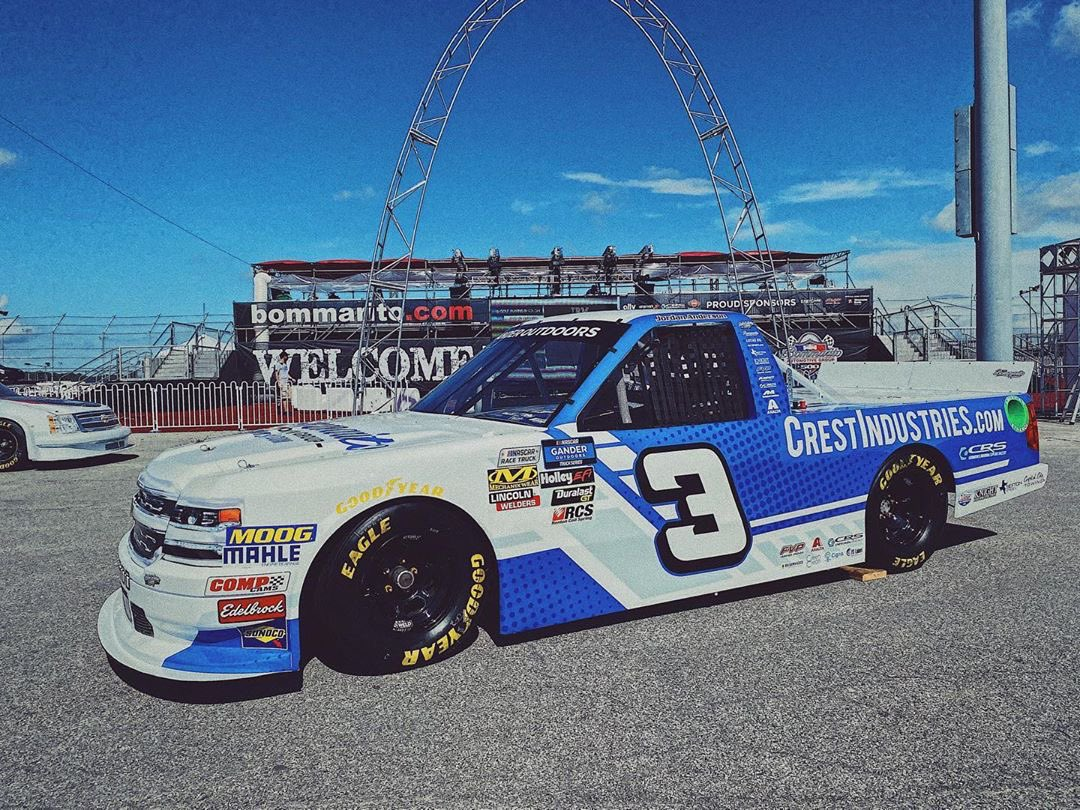 See if you can guess who we are rooting for at @NASCAR_Trucks race today... 😉😉😉 #bommarito500 #sponsor #goteamgo #bommarito #chevrolet #chevy 🏁 @j66anderson https://t.co/lqub9E3DLO