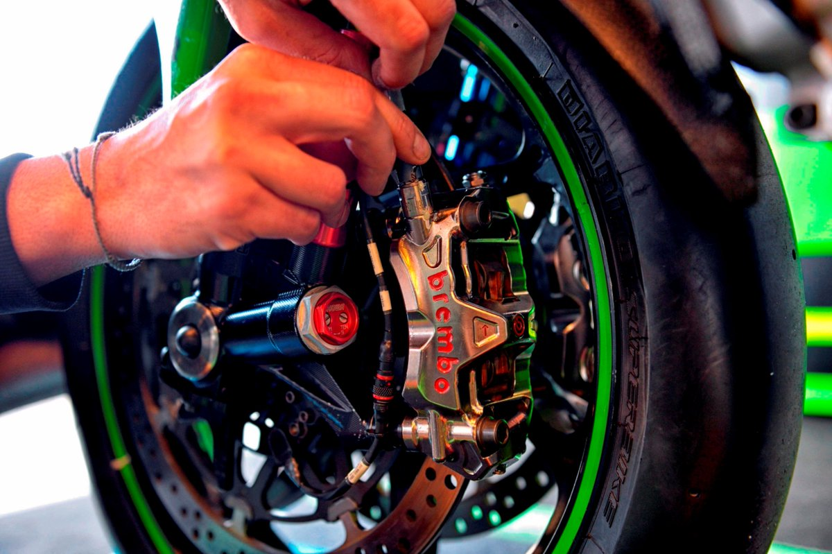 brembo on twitter seventh win in 2020 for jonathan rea in superbike world championship in race2 in aragon second chaz davies third alvaro bautista kawasaki ducati and honda all with brembo brakes twitter