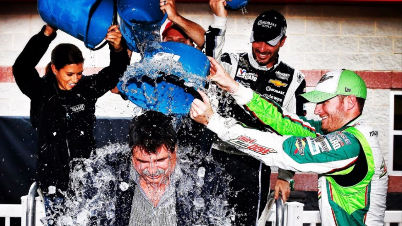 Happy Birthday, Mike Helton!! 🎂  Party like it's 2014!! 🎉🥳  @NASCAR 🏁 https://t.co/6Mimoz7wuU