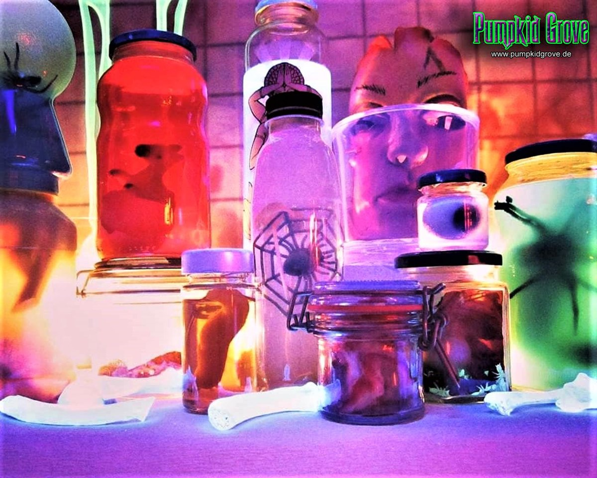 Luegburg Horror Story - Souterrain  #halloween2015 #halloween #samhain #ahsfx #luegburghorrorstory #labor #laboratory #spinne #spider #auge #eye #knochen #bones #gruselig #haunted #horror #homehaunt #love #trickortreat #party #fun #art #germany #pumpkidgrove #pumpkidgrovegermany https://t.co/zt7QBvU1r2