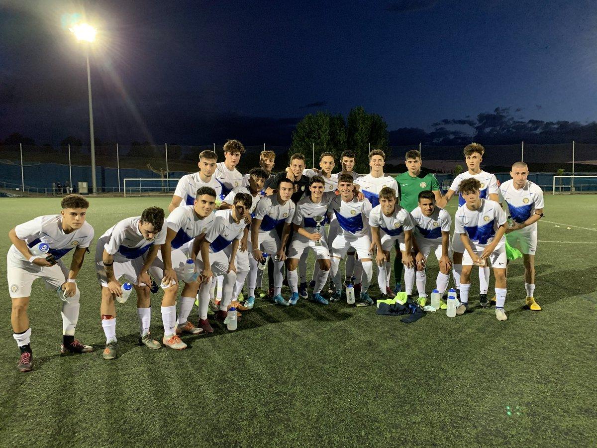 🏆 Trofeu Ciutat de Manresa Juvenil A 🆚 @udsanmauro (1-1). ⚽️ Victòria als penals dels locals!!! · #SempreEndavant #MésViusQueMai