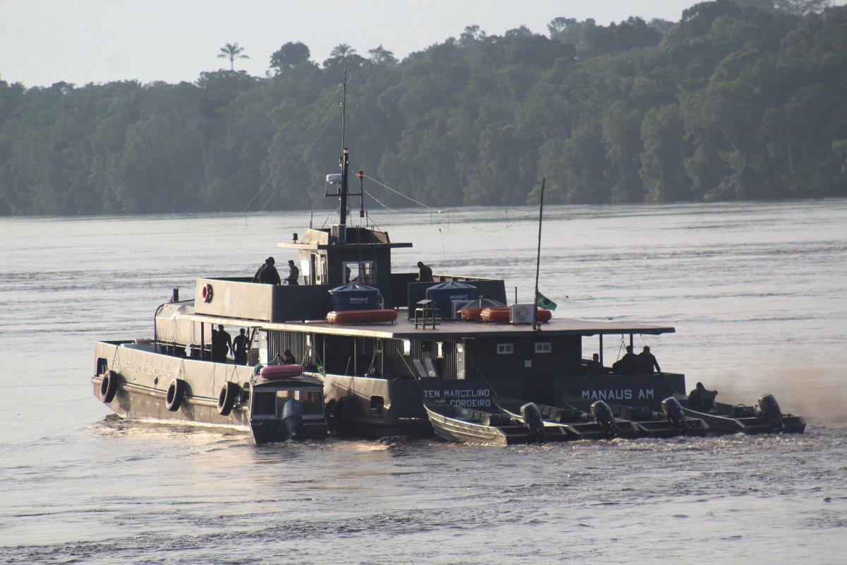 #OperaçãoAmazônia - 2ª Brigada de Infantaria de Selva, São Gabriel da Cachoeira/AM, desloca Posto de Comando para Manaus. Serão cerca de 1.132 km pelas águas do rio Negro. #SeuExércitoNuncaPara. Acompanhe pelo Hot Site da Operação: https://t.co/36h4iHek31 https://t.co/mF2CRIViyL
