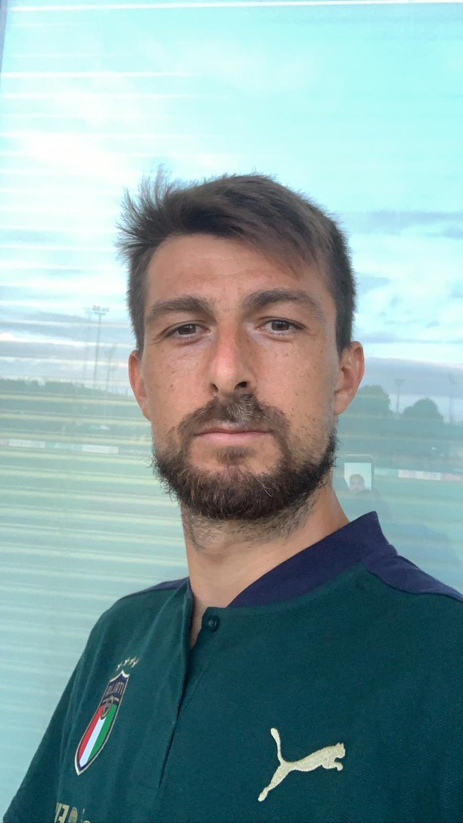 Indossare questa maglia è sempre un grande onore #Ace #Acerbi #Italia #Azzurri #UefaNationsLeague https://t.co/ewSO3xyYHz