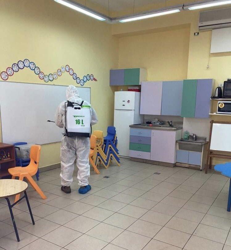 La désinfection totale des locaux du Lycée français de Jérusalem a été effectuée vendredi 28 août en conformité avec les règles sanitaires des autorités locales. @aefeinfo https://t.co/ROkBA6uzaA