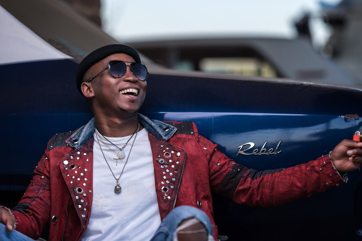 If you havent heard it yet, where you been? Banging new offering from the MotswakOriginator @KhuliChana titled Planet Of The Have Nots is one of our 2020 FAVES. Rrrrrrraaaaah!! 🤟🏽