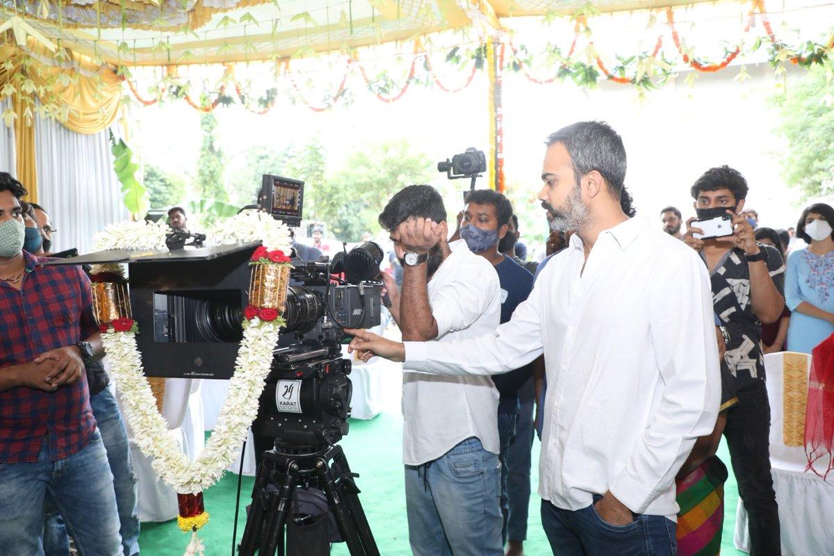 We officially launched #RathnanPrapancha today with a pooja at Kanteerva Studios. Thanks @SanthoshAnand15 for flagging it off & @prashanth_neel for switching on the camera. @VKiragandur @KRG_Studios @Dhananjayaka @Reba_Monica #RohitPadaki @AJANEESHB @YOGIGRAJ https://t.co/EZQqHQKYv6