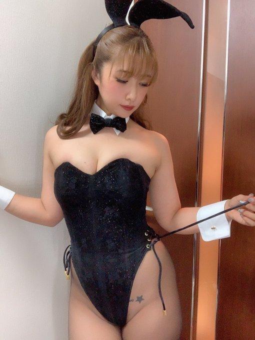 バニーガールの渋谷さんのTwitter自撮りエロ画像35