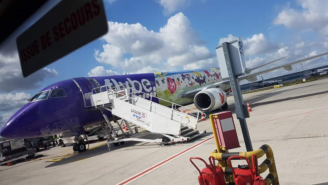 Took this 3 years ago today! Heading back from the USA with Delta, Air France and last leg Flybe to @Cardiff_Airport  #aviation #aviationphotography #wales #france #flybe https://t.co/S3TScC8PsM