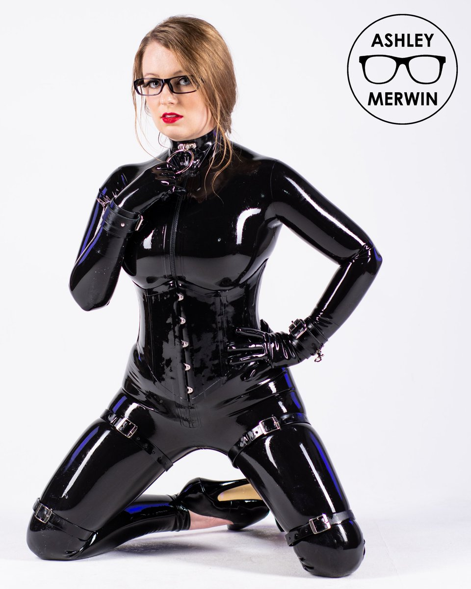 Rubber Doll Mode 🖤  I currently have 40% off my onlyfans join today and dont miss out!  https://t.co/wl5wUatLyS  Shined by: @VivishineLatex Latex by: @westward_bound  #fetishphotography #fetishgoddess #latexgoddess #latexcatsuit #rubbergirl #skintight #látex #rubberfashion https://t.co/wufm2whpW7