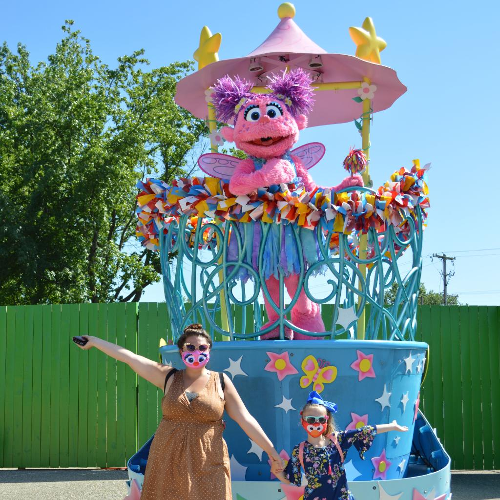 GREAT NEWS: We've added an extra day of furry fun! Sesame Place will now be open on Labor Day from 10am-6:30pm.   Schedule your holiday visit today: https://t.co/QbHF51h4O7  📸 Jason Dobbins https://t.co/CZCAllFzpl