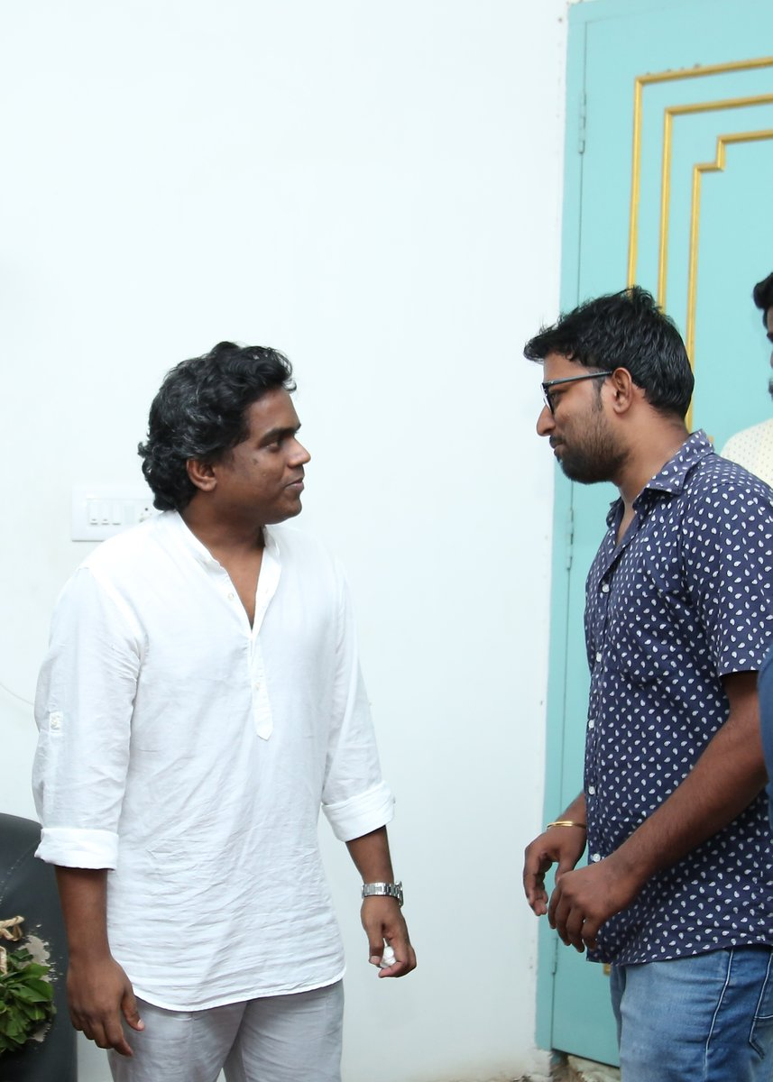 Wishing you a very happy happy birthday @thisisysr! wishing you only the best for everything. Thank you for everything!! https://t.co/9jVKDyAuMj