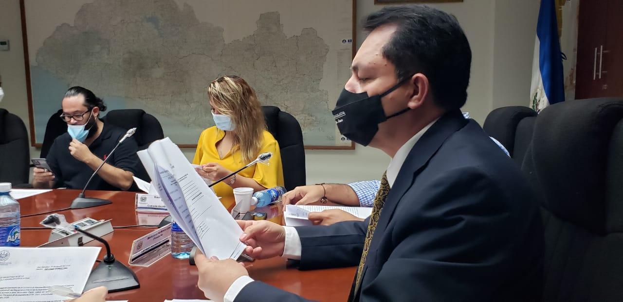 Mario Ponce: Bukele sancionó decreto 661 pero no lo ha publicado
