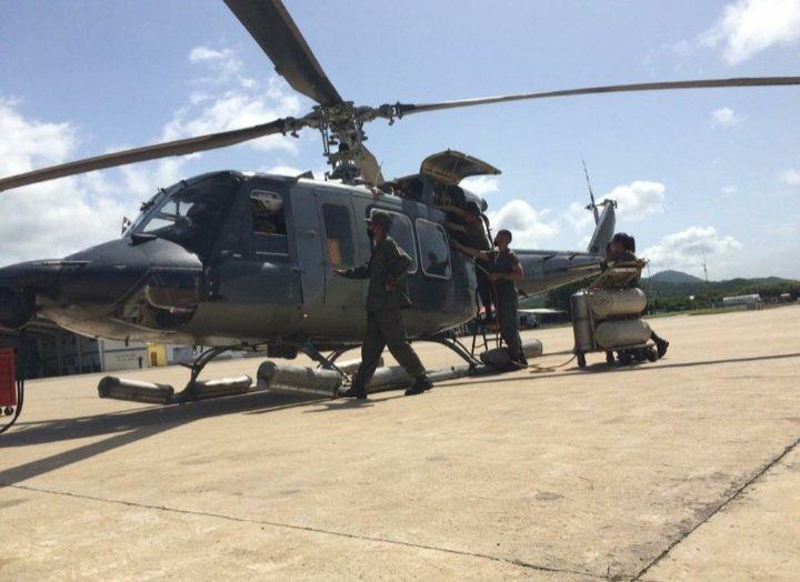En el @ARB_CANB Nuestros Marinos Aviadores y mantenedores se encuentran elevando Nuestro Nivel de Apresto Operacional para garantizar tener Nuestras Unidades Operativas para la Defensa de la Soberanía de la Patria... VENCEREMOS!  @NicolasMaduro @vladimirpadrino @CeballosIchaso https://t.co/WnTpQRIWdZ