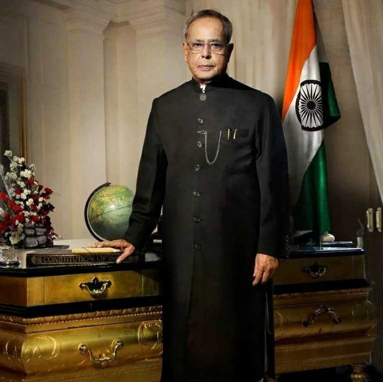 Paying homage to our Former President, Bharat Ratna Shri Pranab Mukherjee, who served the nation with utmost devotion. He was an exceptional leader with a political career spanning 5 decades, his dedication, hard work & discipline changed the development trajectory of our nation. https://t.co/0WbBszeOny