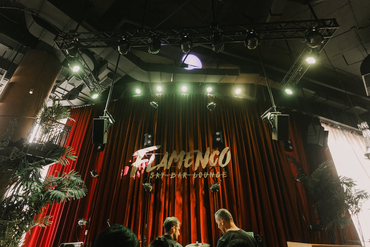 d&b Y and xS-Series delivers the rhythmic beats at Flamenco Sky Bar, Bangkok. Bringing the audience seamlessly clear audio every night. Interested to learn more about d&b audio installation options? Visit: https://t.co/HWYaU9xFoJ #clubsound #restaurant #prosound https://t.co/el24rcE23y