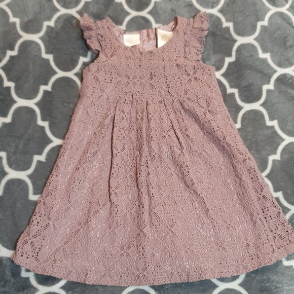 So good I had to share! Check out all the items I'm loving on @Poshmarkapp #poshmark #fashion #style #shopmycloset #kardashiankids #vanillastar #planetgold: