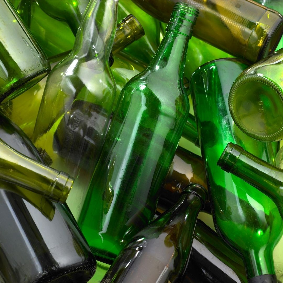 Don't toss your glass bottles. Take them with you on your next trip to Target . Stores are once again accepting glass for recycling.  #earthcare #ecotip #recycling #goodstewards #godsplanet #ourhome #ipcbirmingham https://t.co/nvn0PzuERR