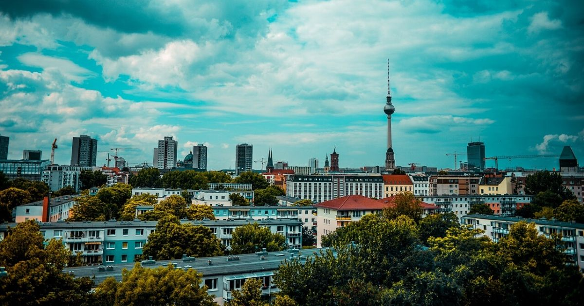 WHEELCHAIR ACCESSIBLE BERLIN ♿️  https://t.co/3I9ocGKKD2  #read #travel #guide #disability #accessible #berlin #germany #vacation #destination #trip #traveling #disabled #community #network #aroundtheworld #disway #web https://t.co/4zk4goLM4B