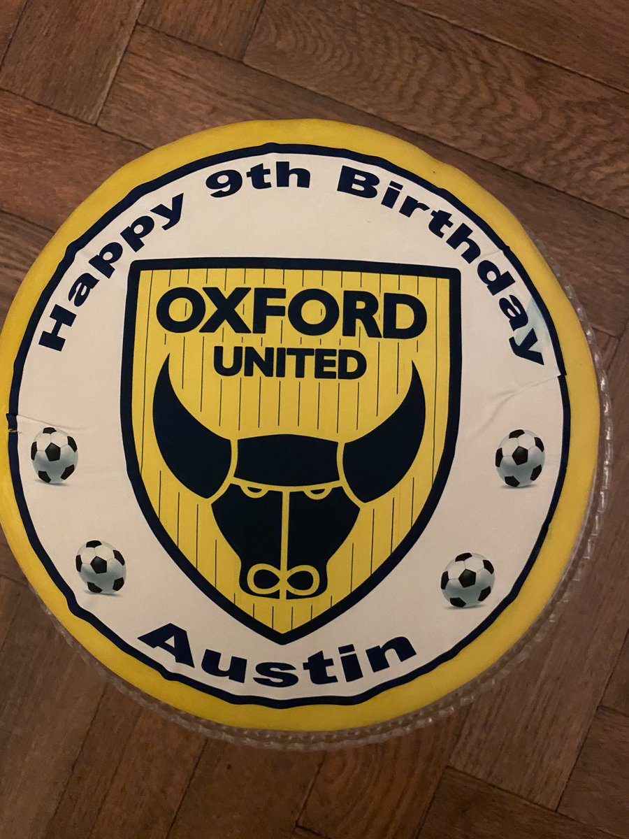 Hopefully this #OUFC cake will make up for the new kit not being available in time for his birthday 💛💙 @matthewtaylor69 @Cameron246bran @JRuffels93 @marcusmcguane58 @sieastwood1 if there's anyway you could give him a birthday holla I know he'd be made up! 🙌🏻 https://t.co/n2cf9W8j8s