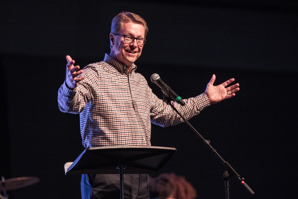 Saluting our own Student Affairs leader, @GCUPastorTim, as he celebrates 10 YEARS of service at @gcu! We 'encourage' 10 more years! #LivetheLopeLife #LopesRising #gcuchapel https://t.co/gCKsXZAm7s