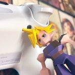 ソルジャーの髪が役に立つ?PS4のコントローラーのリセットボタン押しに便利!?