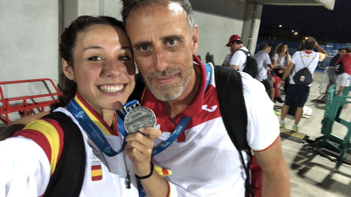 Gracias por todos estos años juntos. Sabes que has sido más que un entrenador para mi. @Rdiegue   Muy agradecida también a @CARSantCugat por ayudarme a crecer deportivamente y personalmente.   Próximo destino🔜 Granada. Empieza una nueva etapa. https://t.co/KeTVRop29z