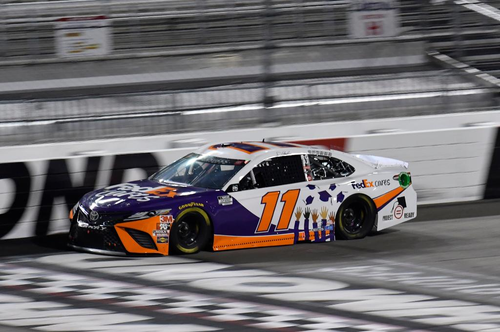 Great day for @dennyhamlin and the #FedExCares Toyota at @RichmondRaceway. We were proud to have @NatUrbanLeague and #ProjectReady on board to promote critical efforts that are empowering communities and changing lives. https://t.co/D4MsAlZBJt