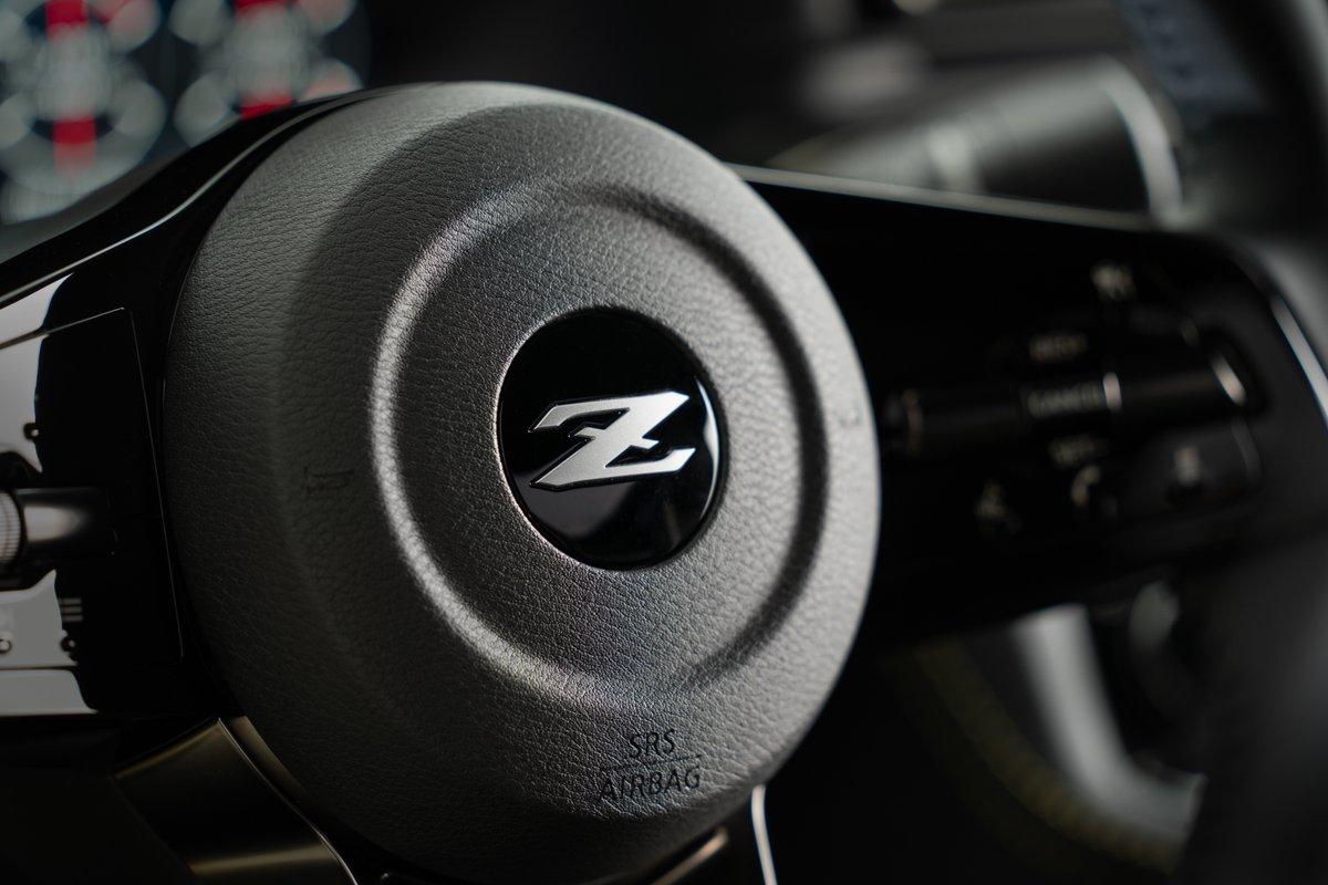 كلاسيكية بطابع عصري، تتميز #نيسان زد الاختبارية بشاشات رقمية وعجلة قيادة تمنح سائقها سهولة الوصول سريعاً إلى أدوات التحكم.   #PowerofZ #NissanZ #NissanNext https://t.co/AJmq3Nofxt