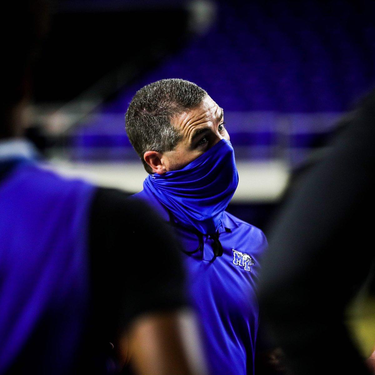1️⃣ Mask up 2️⃣ Coach 'em up  #BlueRaiders 🔵⚪️⚡️ https://t.co/gA9QEWNqhe