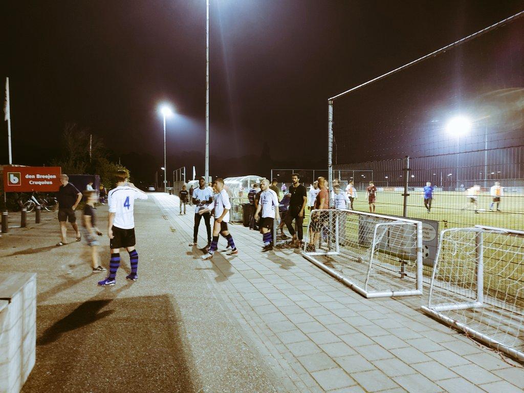 Ruststand 2-0 #rchosc #heemstede #knvbbeker https://t.co/zbpwPPjjWP