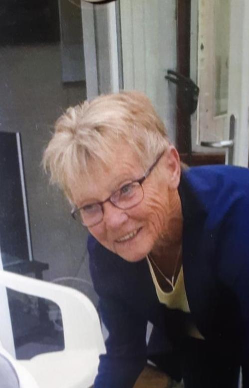 Nordjyllands Politi efterlyser Karen Pedersen, der er gået fra en adresse i Tranum i nedtrykt sindstilstand. Karen Pedersen er 65 år gammel og beskrives som værende ca. 160 cm. høj, spinkel af bygning og har gråt hår. Hun var iført gråt joggingtøj. https://t.co/VmYdZvnK5J