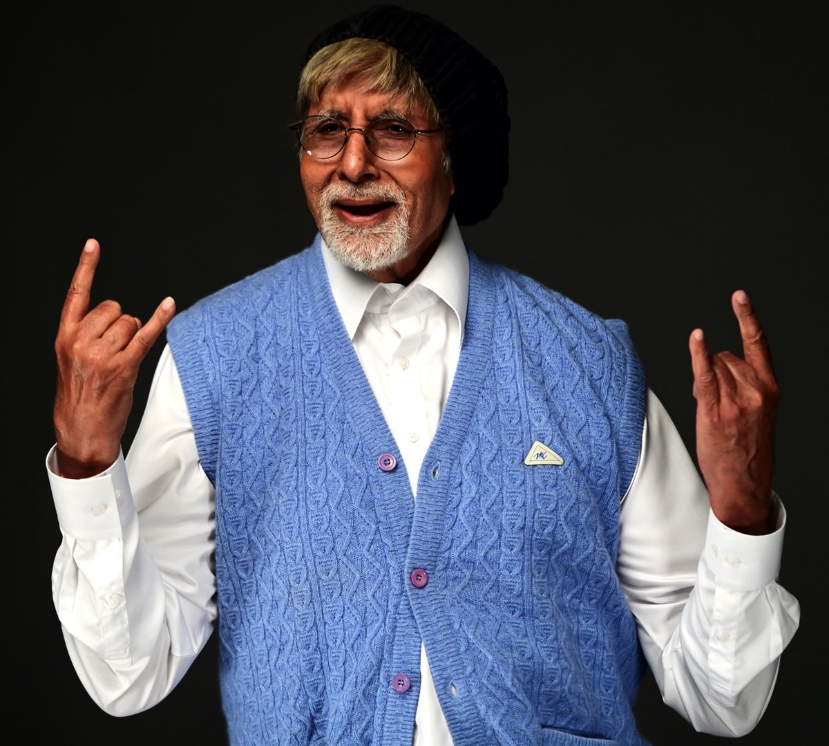 Replying to @SrBachchan: T 3658 - Work routines bring routines back ..