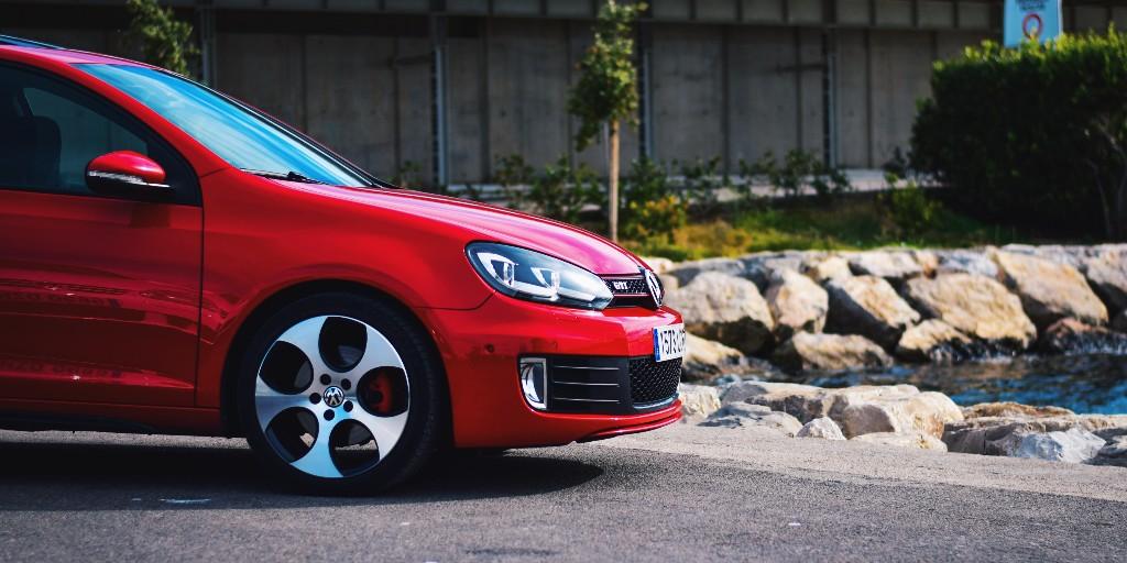 Y tú, ¿con qué GTI te quedas 😏? ¡Gracias por la foto sergioma_97! • ¿Quieres que compartamos tu mejor foto, obra o ilustración de #Volkswagen? ¡Envíanosla por privado! 📲 #VW #UGC https://t.co/Vvs8x6dXC1