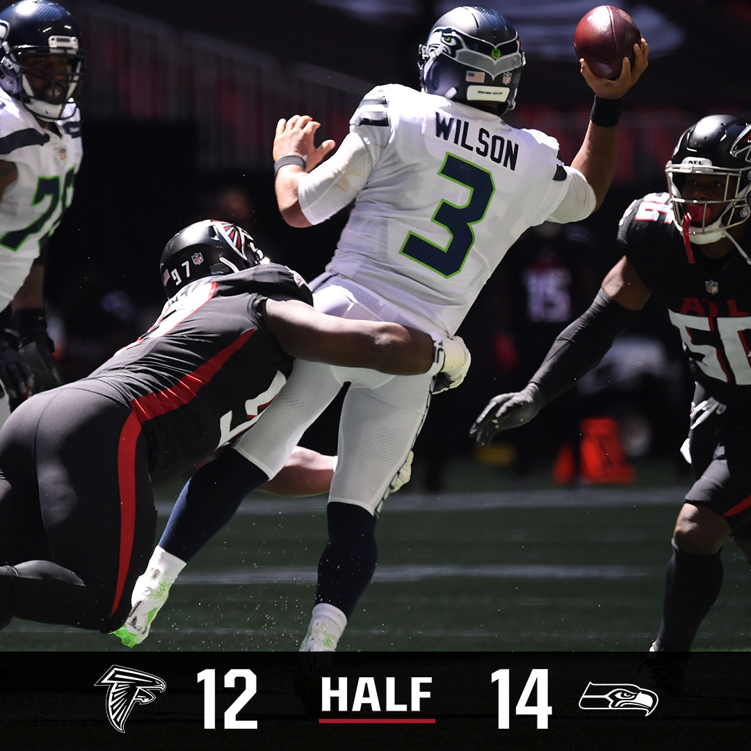 Koo nails the FG to end the first half!