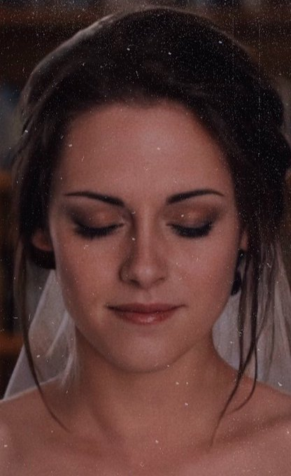 Happy birthday to our beautiful Bella Swan.
