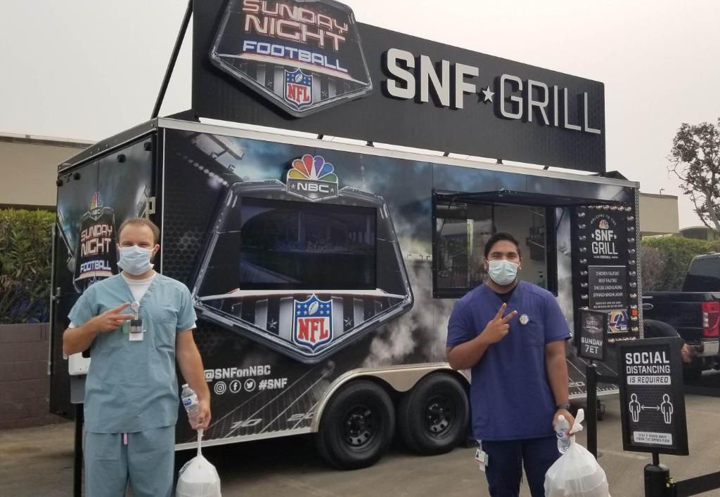 Thank you to @NBCUniversal and the @RamsNFL for donating food and mini footballs to the hardworking staff at Cedars-Sinai Marina del Rey Hospital to celebrate the kick-off the new NFL season! Good luck at today's #SNF game! 🏈 https://t.co/KMT9QAhTG1